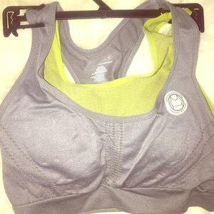 NWT Jockey Seamless Sports Bra $32